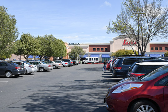 Image of full parking lot for a Lucky grocery store